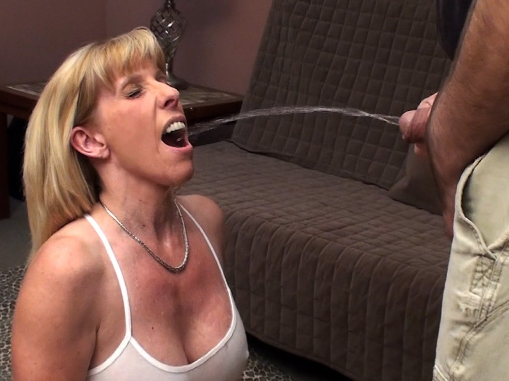 25 years old swallowing in room hotel while husband out of city 9